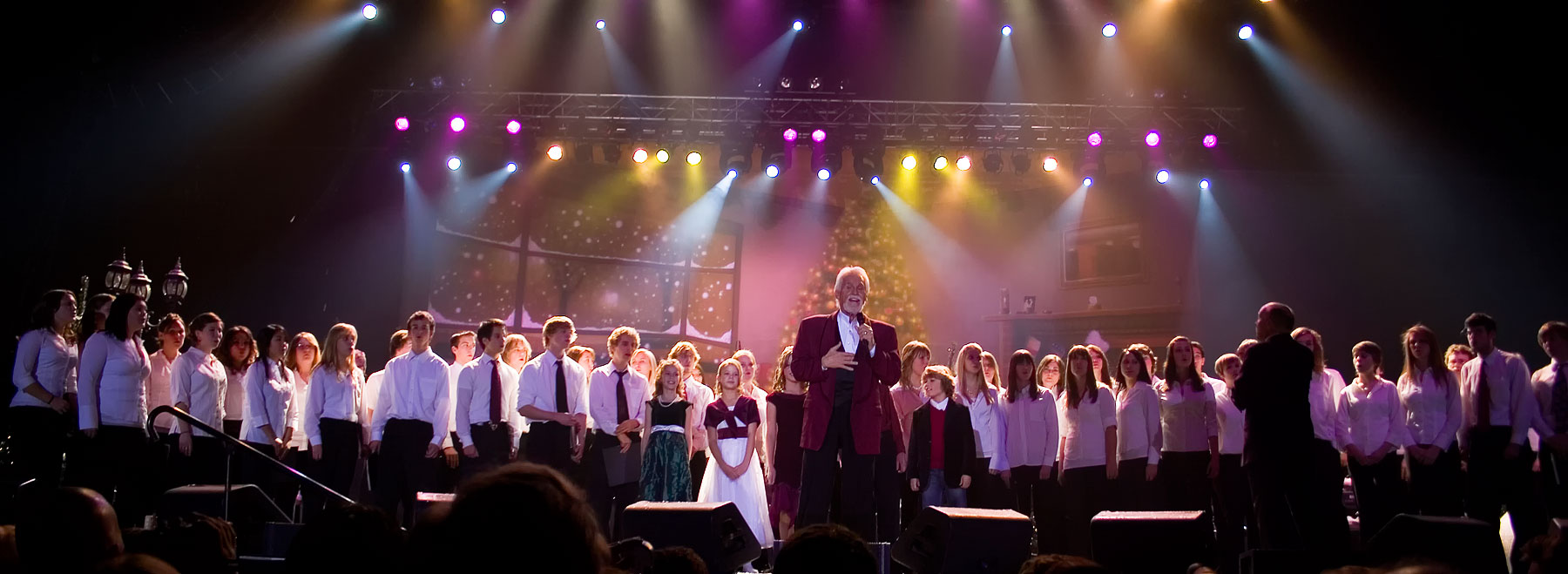 Kenny Rogers Western Canada Christmas Tour, with Production Services from Allstar Show Industries