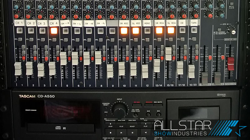 Yamaha MG206C mixer and Tascam CD-A550